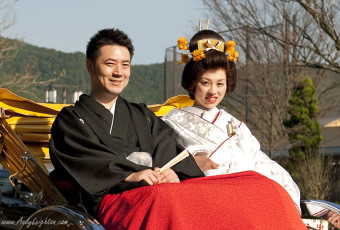Kyoto Wedding Couple in Rickshaw