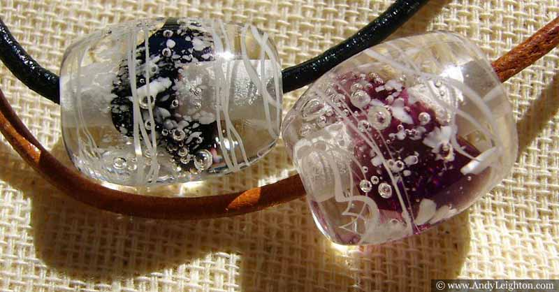 Pictures of beautiful traditional Japanese tonbodama accessories produced by Japan artist Mika Shiraishi.